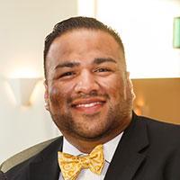 Eric Lara, ICON Community Development Center, Consultante de Negocios