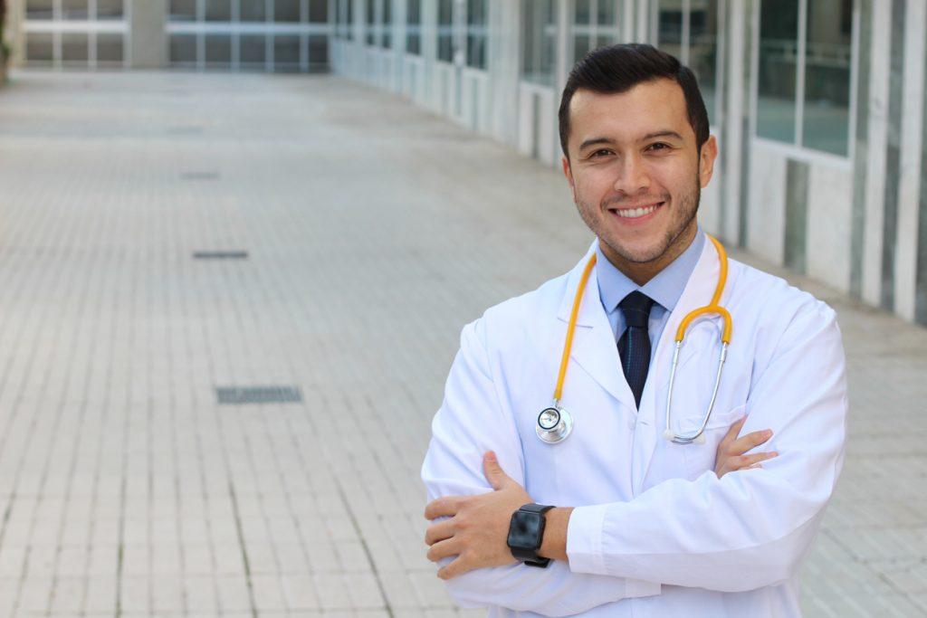 Trabajador médico, doctor. Cocnept: seguro médico