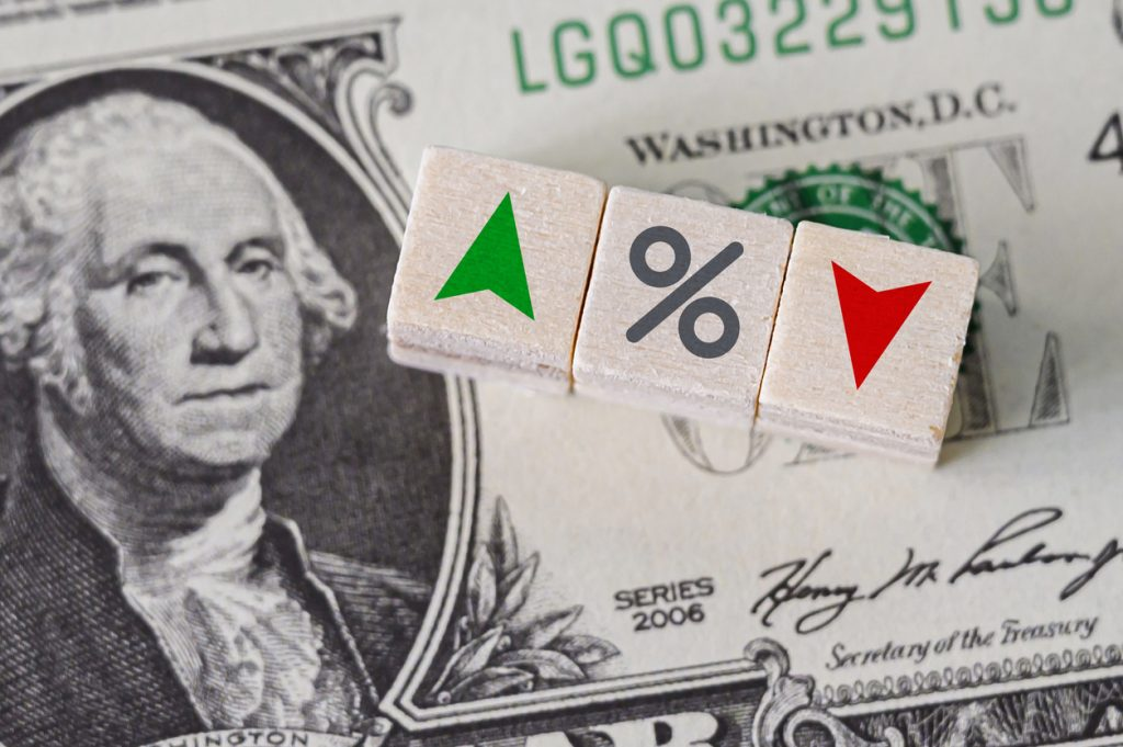 Idea sobre bancos, concepto, porjentaje crece o baja. concept: tasas tributarias