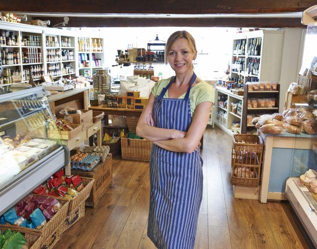 Dueña de un pequeño negocio. concept: financiamiento para pequeños negocios familiares