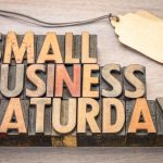 Small Business Saturday letras en madera